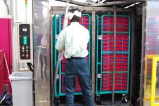 カゴ台車一体型プラコン洗浄脱水乾燥機(セットアップ)